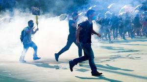 Demokrati- och studentaktivister i Hongkong planerar nya massiva protester på fredag kväll och under veckoslutet.