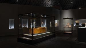 Ankhefenamons kista på Amos Rex utställning Egyptens prakt.