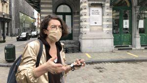 Nadia Verbeeck utanför teaterhuset KVS i Bryssel.