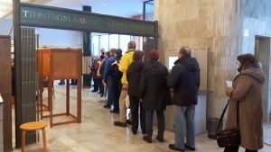 Förhandsröstning inför presidentvalet.