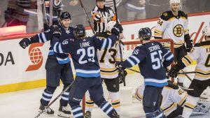 Patrik Laines Jets slog Bruins med 4-3