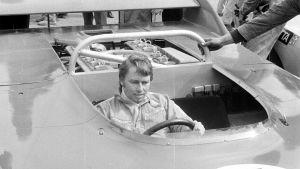 Leo Kinnunen var en finsk formel 1-chaufför.