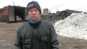 Patrik Norrgård är ägare till svingården som brann ner i Oravais, Österby