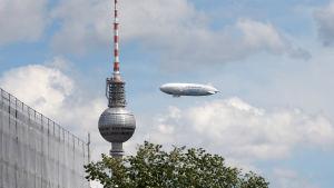 Tv tornet i Berlin och luftskepp