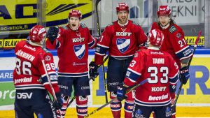HIFK slog Pelicans i första kvartsfinalmatchen.