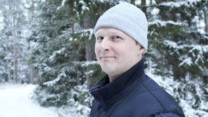 porträtt på marcus von Schantz en snöig dag