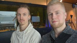 Harri Heikkinen och Lauri Paloheimo presenterade sina flytande drönare vid pitchen.