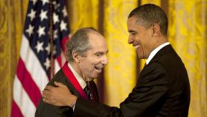 Philip Roth utdelades National Medal of Arts i Vita huset 2.3.2011.