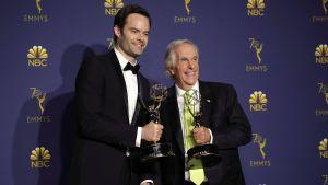 Bill Hader och Henry Winkler med sina Emmy-statyetter.