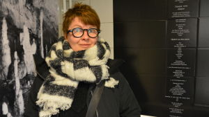 Bildkonstnären Saara Ekström och hennes verk i Åbo konsthall.