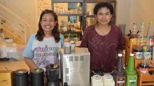 Småföretagarna Raweewan Srithong och Saman Lothong.