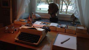 Astrid Lindgrens arbetsbord.
