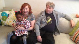 Familjen Sundberg i soffan
