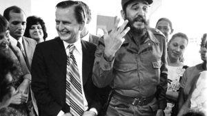 Lisbet och olof palme besöker Fidel Castro på Cuba år 1975.