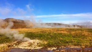 Varma källor i Island