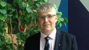 Rolf Steffansson, verksamhetsledare för Finska Missionssällskapet besökte Radiohuset
