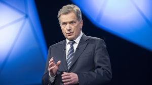 Presidentti Sauli Niinistö TV1:n studiossa presidenttitentti-ohjelmassa 15.01.2018. Presidentinvaalit 2018, presidenttipäivät televisiossa