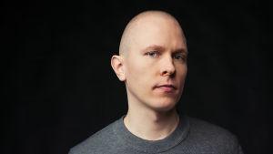 Profiilikuva MOT:n toimittajasta Jouni Munukasta