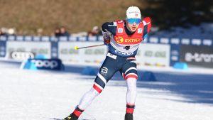 Sindre Björnestad Skar på skidor.