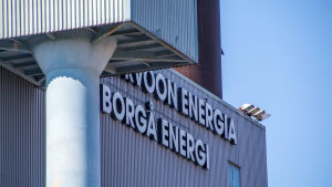 "Hus med texten ""Borgå energi"" på gaveln"
