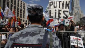 Demonstranter i Moskva.