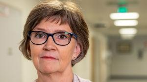 Porträttbild av Carola Lindholm.