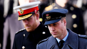 Vakavailmeiset prinssi Harry ja prinssi William.