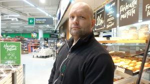 Jan Lundmark är chef för Kyrkslätt Prisma.