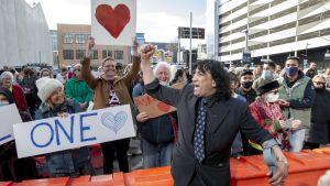 Överlevande, offrens anhöriga och deras vänner jublade då de hörde domslutet i Christchurch.