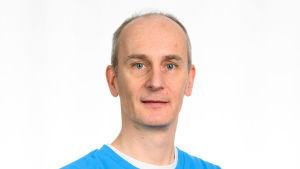 Mikko Peltonen är projektchef för ett vassprojekt, som har inletts i Nyland i samarbete med Forstyrelsen.