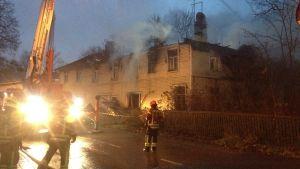 Huset som brann på Virusmäkivägen i Åbo