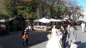 Bröllopspar i Lviv.