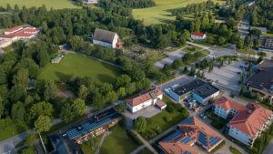 Flygfoto av Ingå kyrkby.