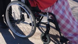 Person i rullstol