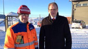 Talvivaaras informationschef Olli-Pekka Nissinen och Sotkamos kommundirektör Petri Kauppinen