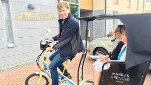 Äldre Borgåbor i servicehem ska få åka cykeltaxi