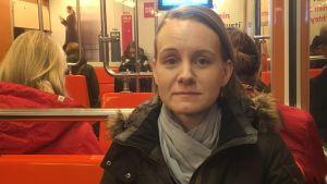 Jenny Fredriksson åker metro