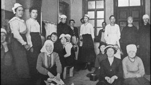 Kvinnliga fångar på Sveaborg 4.5.1918.