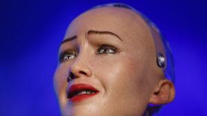 Roboten Sofias huvud.