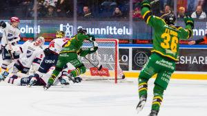 Ilves gör mål mot HIFK.