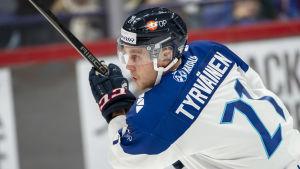 Juhani Tyrväinen i landslaget