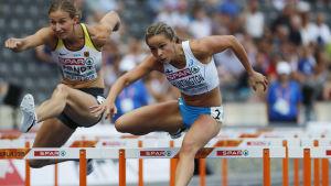 Maria Huntington löper 100 meter häck