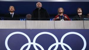 Vladimir Putin håller tal under öppningsceremonin av OS i Sotji 2014.