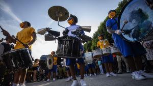Det förekom också mer traditionella Juneteenth-parader som den här i Los Angeles.