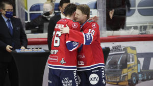 Anton Lundell kramar om Jere Sallinen.