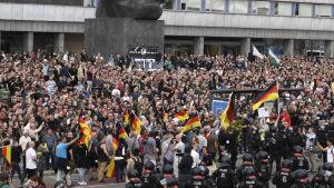 Högerextrema demonstranter i Chemnitz, Tyskland.