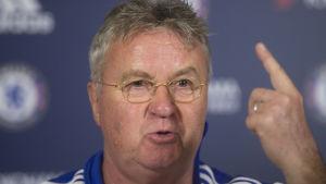 Guus Hiddink tror att Eden Hazard kan göra avtryck i Chelsea i vår.