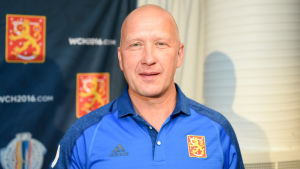 Jarmo Kekäläinen jobbar under ishockeyns World Cup med det finländska landslaget.