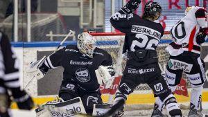 JYP besegrade TPS i ishockeyligan.