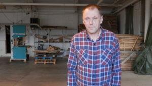 Tom Nylund vid Nykarleby Spåntak